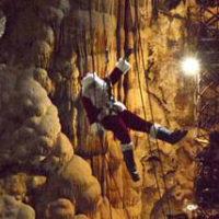 santa-in-the-cave